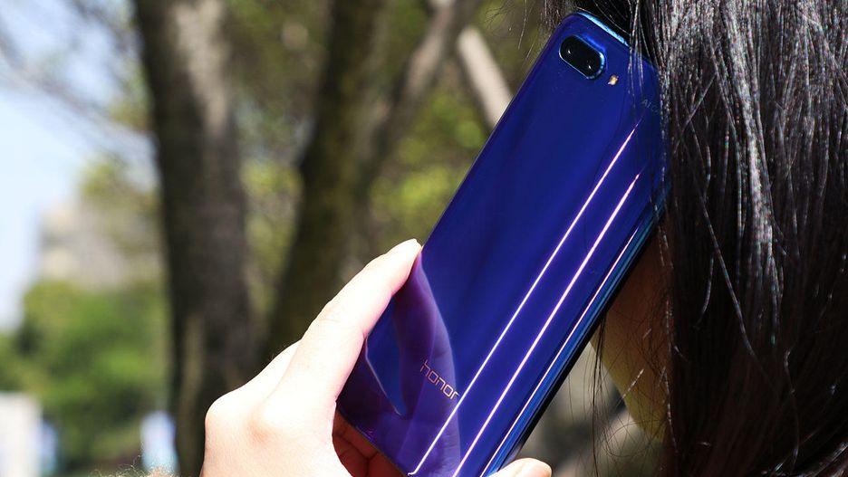 بررسی کاملا تخصصی گوشی آنر 10